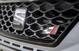 SEAT Leon ST Cupra 300, 2017, grille