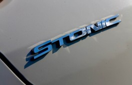 Kia Stonic, 2017, badge