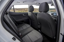 Kia Stonic, 2017, rear seats