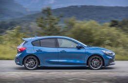 Ford Focus ST, 2019, side