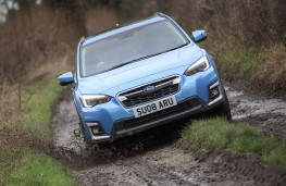 Subaru XV e-Boxer off road