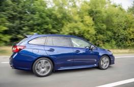 Subaru Levorg, side action