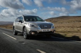Subaru Outback, front action 2
