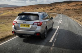 Subaru Outback, rear action
