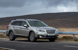 Subaru Outback 2015 front action
