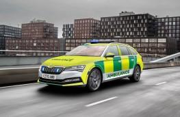 Skoda Superb estate, 2020, ambulance livery