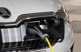 Skoda Superb Estate iV, 2020, charging point