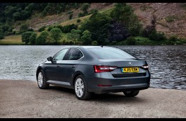 Skoda Superb, rear
