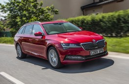 Skoda Superb Estate, 2019, front