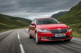 Skoda Superb Estate, front