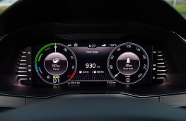 Skoda Superb, 2019, instrument panel