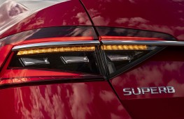 Skoda Superb, 2019, rear light