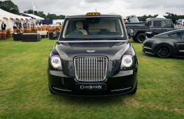 Sutton VIP LEVC Taxi, 2021, front