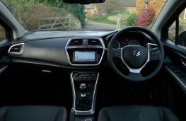 Suzuki S-Cross, dashboard