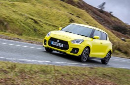 Suzuki Swift Sport, front action 2