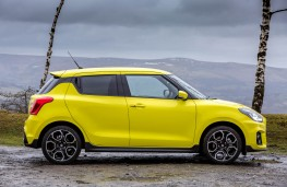Suzuki Swift Sport, side static