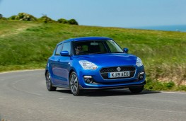 Suzuki Swift 1.2 Dualjet Attitude, front action