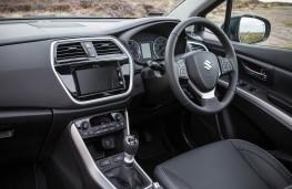 Suzuki SX4 S-Cross, dashboard