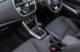 Suzuki SX4 S-Cross, front seats