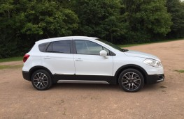 Suzuki SX4 S-Cross, side