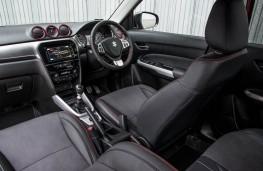 Suzuki Vitara, front seats