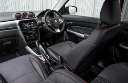 Suzuki Vitara, automatic, interior