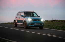 Suzuki Ignis, night time