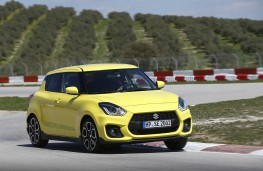 Suzuki Swift Sport, 2018, front, action, track