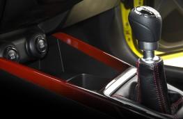 Suzuki Swift Sport, 2018, gear lever