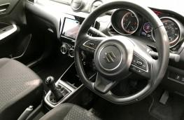 Suzuki Swift, 2019, instrument panel