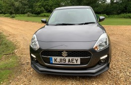 Suzuki Swift Attitude, nose