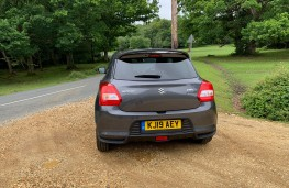 Suzuki Swift Attitude, rear