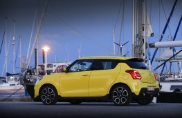 Suzuki Swift Sport, 2018, side