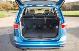 Volkswagen Touran 2016, five seats