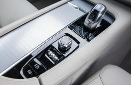 Volvo XC90 T8 Twin Engine, 2016, centre console