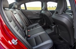 Volvo S60 T8 Twin Engine, 2019, rear seats