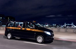 Mercedes-Benz Vito Taxi, 2017, London, Tower Bridge