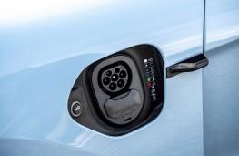 Porsche Taycan, 2020, charging