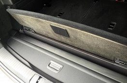 Volkswagen Touran 2016, luggage blind stowed