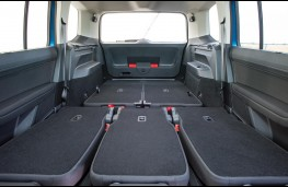 Volkswagen Touran 2016, maximum cargo space
