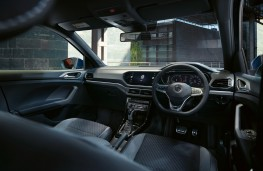 Volkswagen T-Cross, 2019, interior