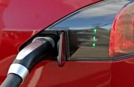 Tesla Model S P85D, charging