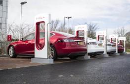 Tesla Model supercharger station