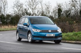 Volkswagen Touran 2016, front, action