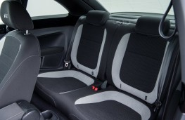 Volkswagen Beetle R-Line, 2017, rear seats