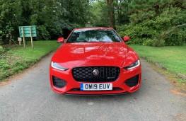 Jaguar XE, front