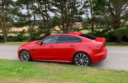 Jaguar XE, side