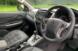 Mitsubishi L200 Barbarian, interior
