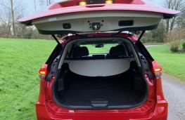 Nissan X-Trail, boot