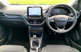 Ford Puma, interior